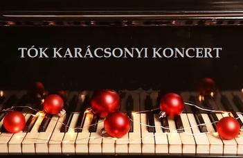Hagyományos karácsonyi hangverseny a Díszteremben.