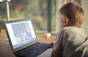 Digitális oktatás - digitális nevelés