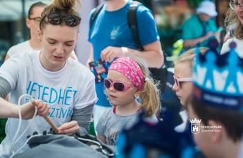 Gyermeknap hétvégéjén játszótérré változott Székesfehérvár belvárosa:a Hetedhét Játékfesztiválon