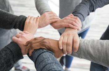"""Az Együttélés Nap idén az """"Együttélés az online térben"""" témakör köré csoportosul."""